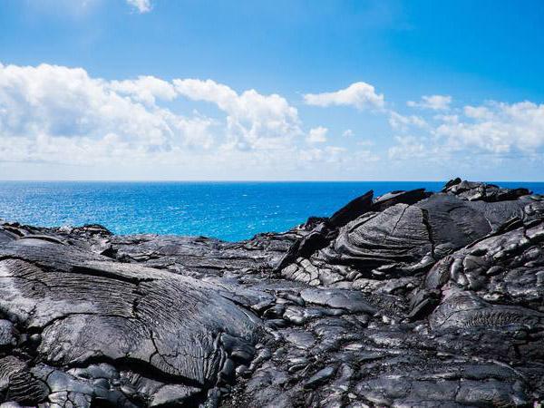 溶岩ビーチ
